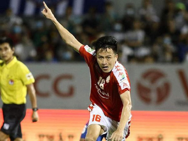 Bóng đá Việt Nam 14/9: TP.HCM lên tiếng về chấn thương của Huy Toàn
