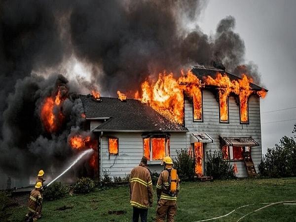 mơ thấy nhà mình bị cháy